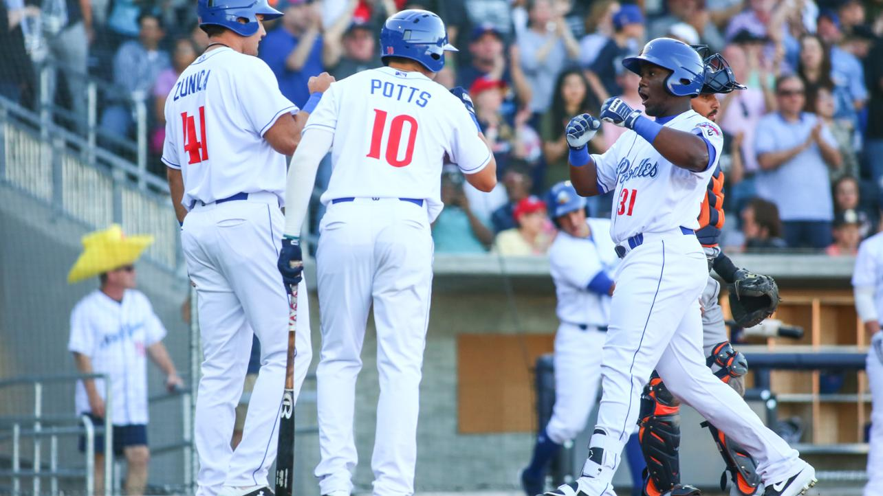 Sod Poodles Win Series Finale Over Hooks, Take Series