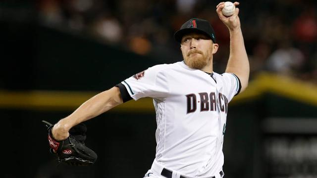 royals sign nebraska native jake diekman