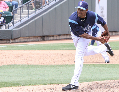 RHP Jorge De Leon pitched four shutout innings out of the bullpen in the Hooks' 17 inning loss to the Frisco RoughRiders.