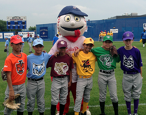 The 9 to the Nines Project was one of the various community undertakings by the Fightins in 2013.