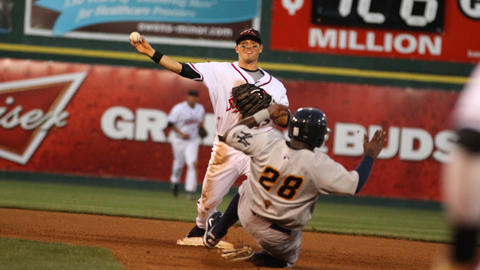 Ryan Cavan Earns 2012 Rawlings Gold Glove Award.