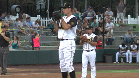Andrew Heaney extended his scoreless streak to 34 innings Thursday night.