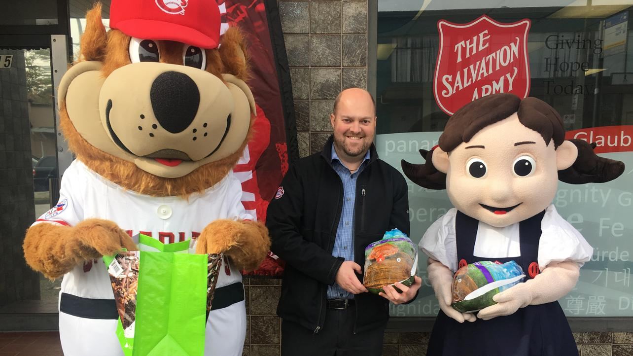 Canadians Thanksgiving provides local families with holiday cheer