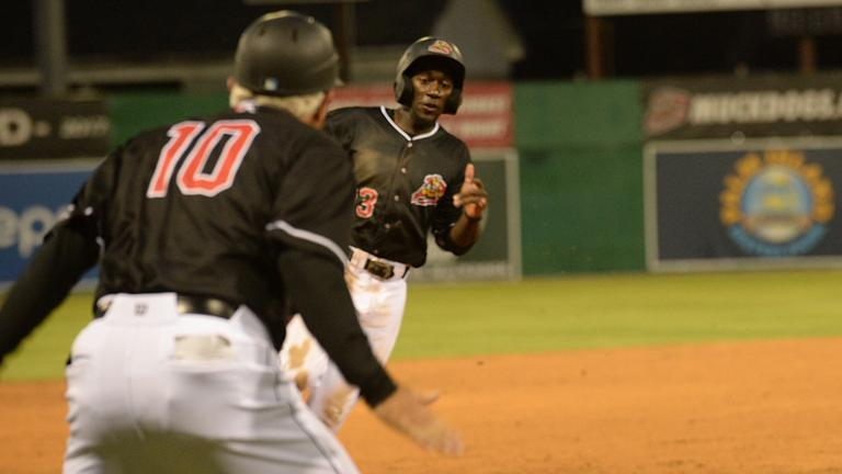 Muckdogs' Smith delivers with small ball