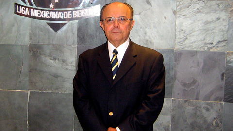 Warren Giles Award winner Plinio Escalante became president of the Mexican League in 2007.
