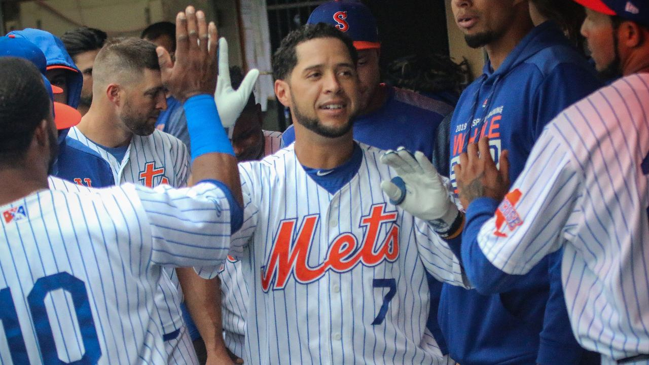 buy online 61436 2e609 Mets rally in eighth to beat Stripers, 7-6, on Father's Day ...