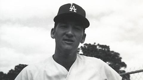 Charlie Hough led the 1971 Albuquerque Dodgers with seven complete games.