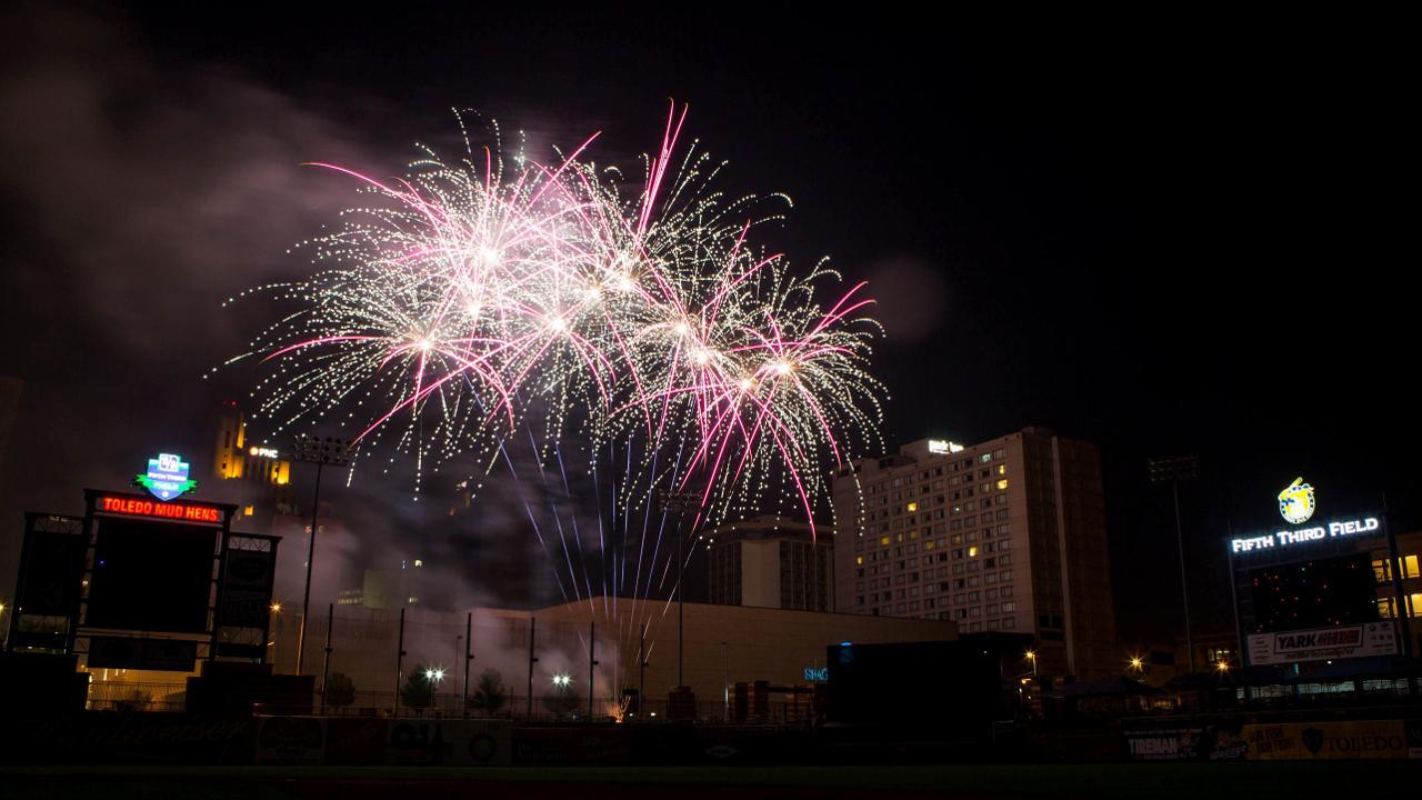 Have A Blast At Postgame Fireworks Shows Toledo Mud Hens News
