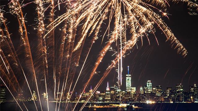 7b9de06089d2a Staten Island sets ten fireworks nights for summer 2017
