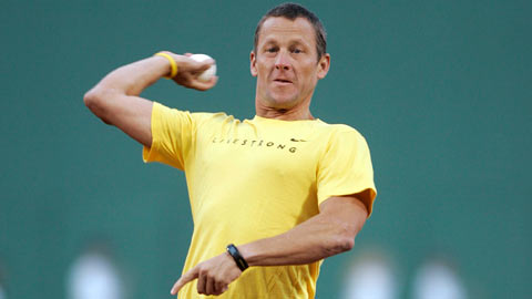 Lance Armstrong threw out the first pitch at Fenway Park in April 2008.